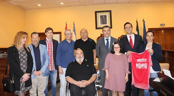 Javier Torres elogia en Lucena el deporte para discapacitados  1