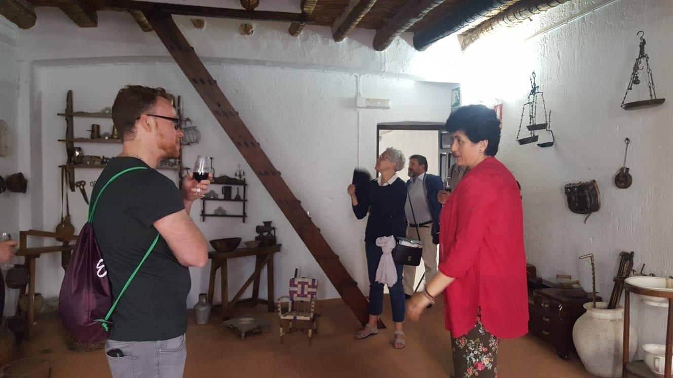 Periodistas y blogueros de viajes recorren Lucena como parte de la ruta Caminos de Pasión 1