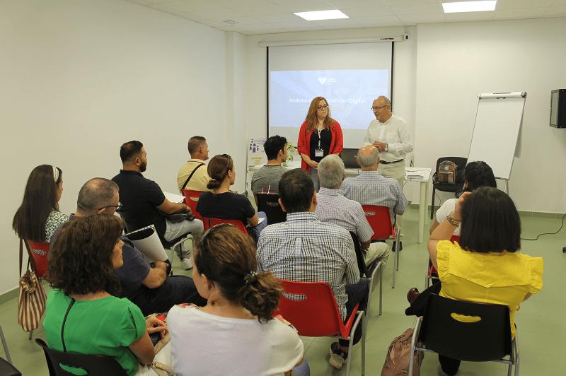 El Ayuntamiento fomenta la formación digital del asociacionismo local 1