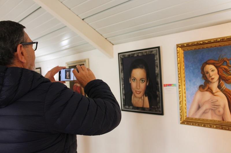 Lucena inaugura los actos del 8M con una exposición en homenaje a Isabel Jurado y Rafael Aguilera