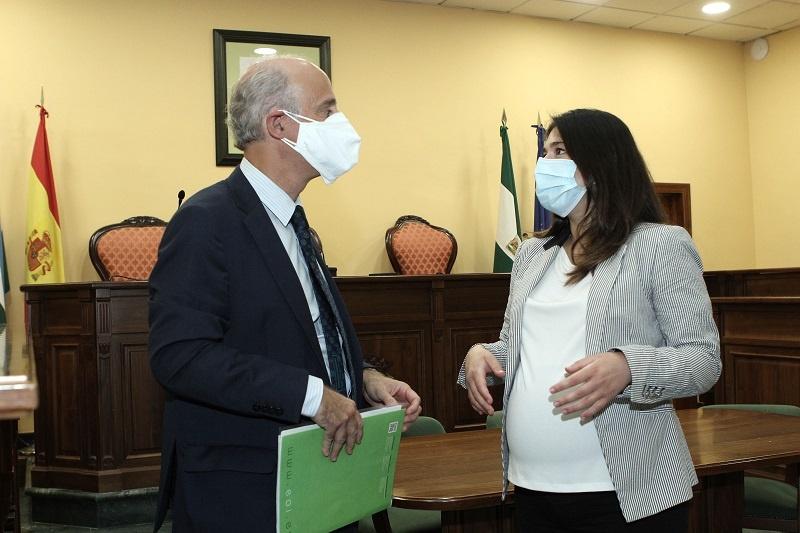 Ayuntamiento de Lucena y EOI reeditan un curso más las becas máster