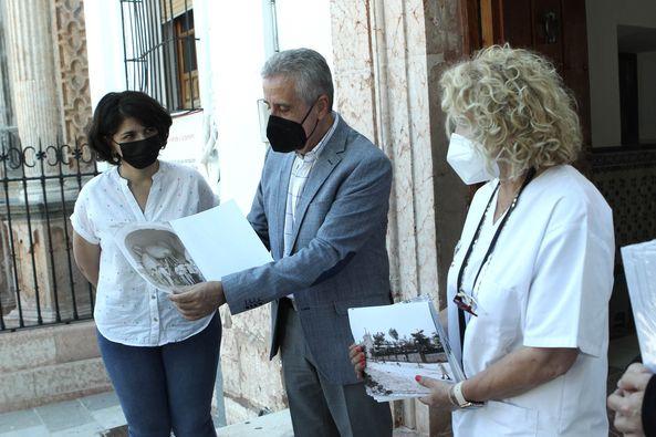 El Ayuntamiento lleva a las residencias la serie de fotografías antiguas 'Lucena para el recuerdo'