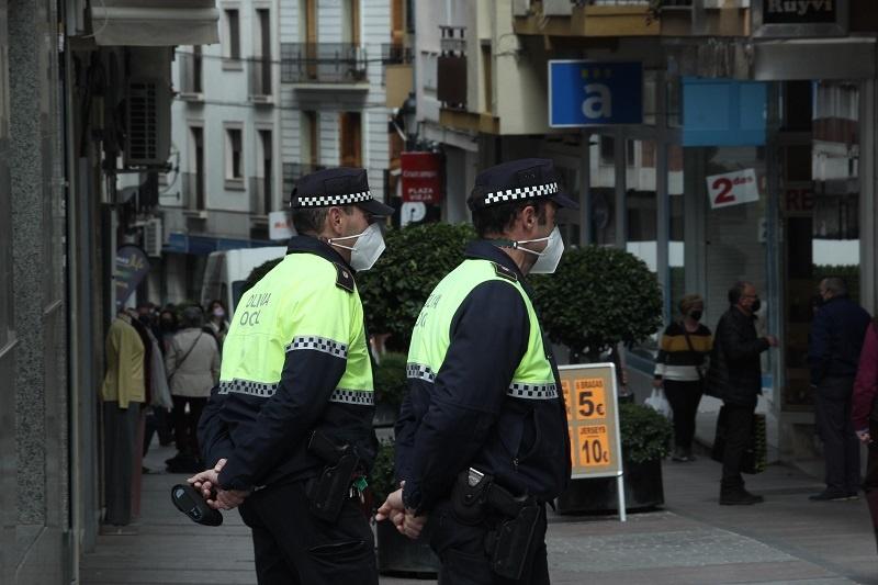 La Junta de Portavoces decide reforzar la presencia policial el fin de semana y recuerda la prohibición de hacer botellón