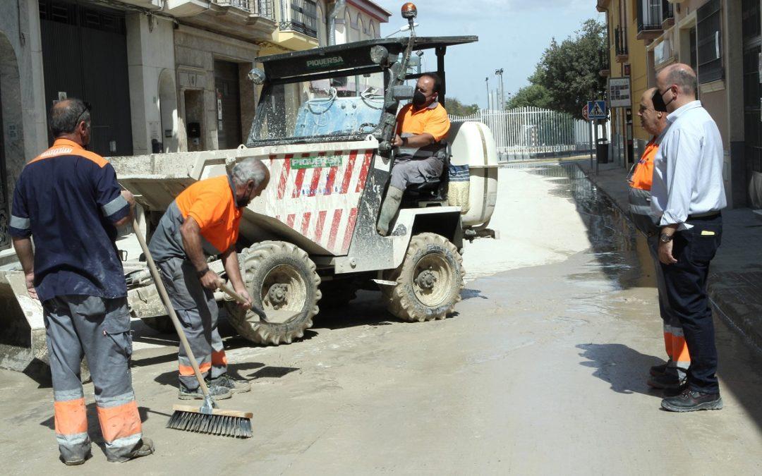 La limpieza de calles avanza hasta el 50% del núcleo urbano de Lucena