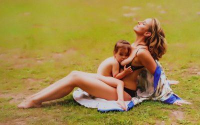 Fotografías para naturalizar la lactancia materna en público